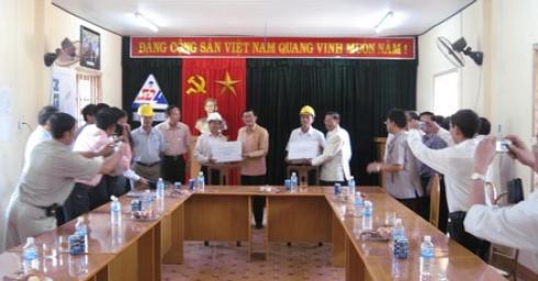 Lãnh đạo cấp cao Đảng, Chính phủ hai nước Lào, Việt Nam thăm công trường thủy điện XeKaMan 1