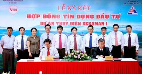 Ký kết Hợp đồng tín dụng đầu tư dự án thủy điện Xekaman 1