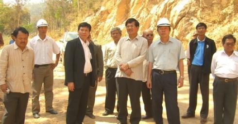 Nhà máy thuỷ điện Xêkaman 1 trên đất bạn Lào rất vui mừng được đón đồng chí Soulivong DARAVONG - Bộ trưởng Bộ Năng lượng và Mỏ nước CHDCND Lào tới thăm và chúc tết.