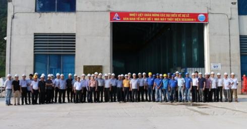 Bàn giao tổ máy số 1 Nhà máy thủy điện XEKAMAN1