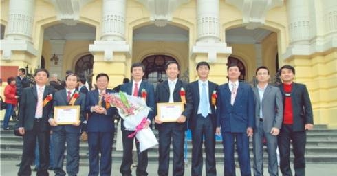Công ty Cổ phần Điện Việt - Lào đón nhận giải thưởng cao quý nhân dịp đầu xuân Kỷ Sửu