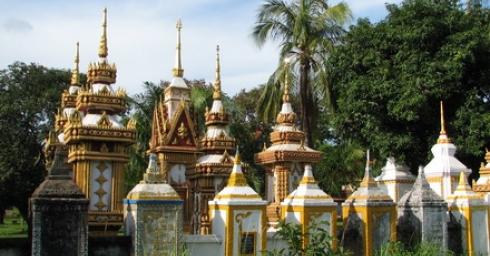 Thăm chùa Lào