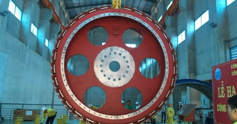 ROTOR OF UNIT 2 OF XEKAMAN SANXAY INSTALLED